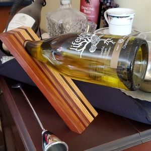 Wine Bottle Holder made of Wood with nice Design